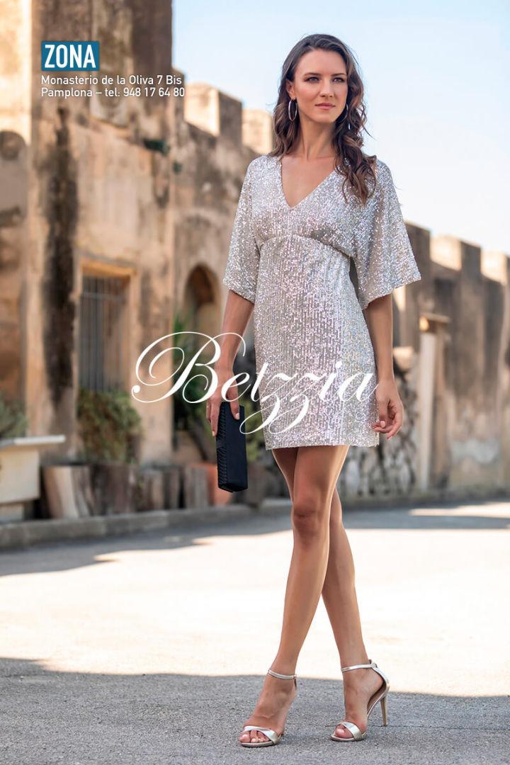 Vestido corto Zona Pamplona 2019 16